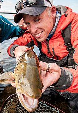 omar gade guide fishing sea trout fyn denmark fishing lodge fly fishing guide spin fishing guiding coast of funen